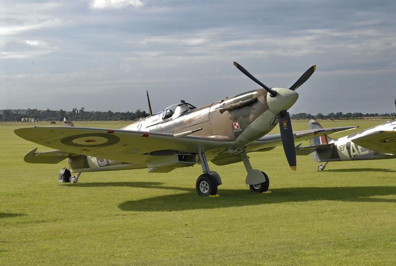 Spitfire,Duxford-450czk.jpg