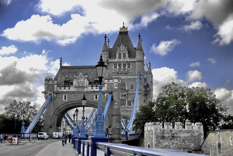Tower_Bridge-700czk.jpg